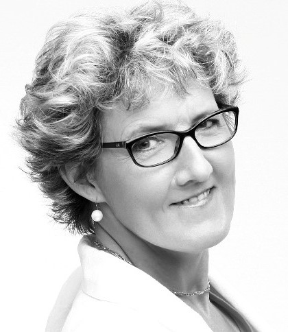 Portrait de Caroline Lesgourgues